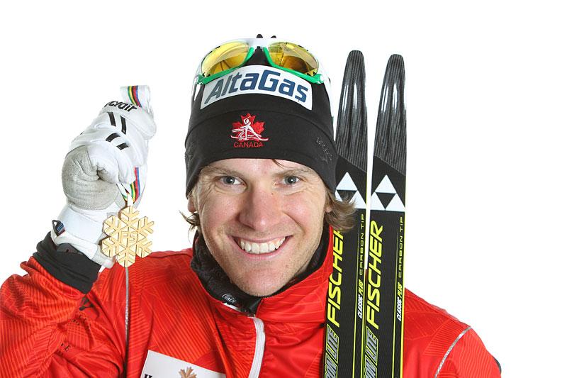 Devon Kershaw med VM-gull fra mesterskapet i Oslo tilbake i 2011. Foto: Hemmersbach/NordicFocus.