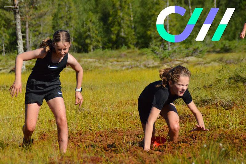 Råe jenter under myrintervall på Camp Meråker; Andrea Brobakken og Linne Cicilie Øyesvold. Arrangørfoto.