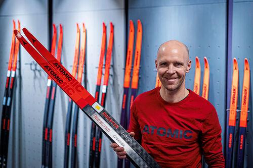 Ny mann i rødt hos Atomic etter at Olav Holter har blitt Key Account Manager / Area Sales Manager XC for Atomic i Norge. Foto: Joakim Dokka.