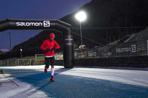Killian Jornet underveis i 24-timersløpingen i norske Måndalen under Phantasm 24. Foto: Håvard Dalen / Joakim Dokka / Vegard Breie - VegardPhoto.com.