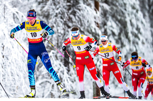 Flere norske langrennsløpere i feltet under verdenscupen i Ruka. Foto: Modica/NordicFocus.