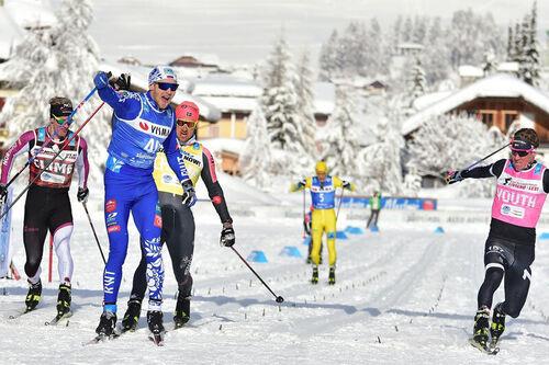 Spurtoppgjør i Ski Classics-rennet Toblach-Cortina 2021. Ermil Vokuev var sterkest. Foto: Visma Ski Classics.