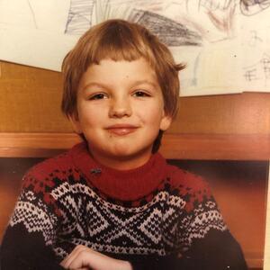 FØRSTE SKOLEDAG: FUG-leder Marius Chramer som sju år gammel og håpefull på første skoledag. foto: privat