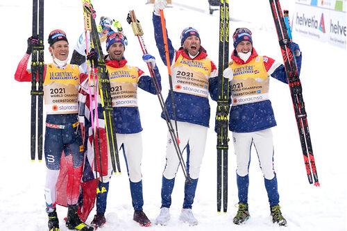 Norges vinnerlag på stafetten under VM i Oberstdorf 2021. FV i omvendt etapperekkefølge: Johannes Høsflot Klæbo, Hans Christer Holund, Emil Iversen og Pål Golberg. Foto: Modica/NordicFocus.