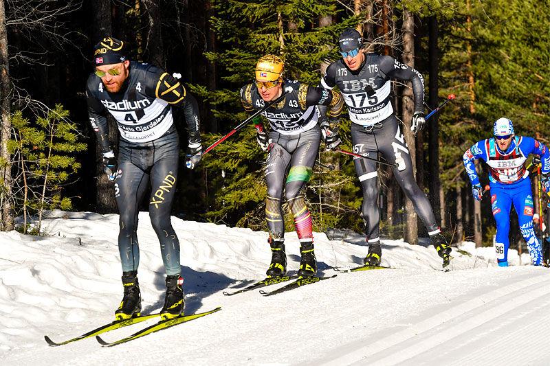 Tord Asle Gjerdalen i front av Vasaloppet 2021 hvor han gikk inn til seier. I bildet nærmest fulgt av Vetle Thyli, Anton Karlsson og Ermil Vokuev. Foto: Schmidt/NordicFocus.