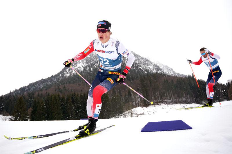 Johannes Høsflot Klæbo og Emil Iversen underveis på 5-mila i Oberstdorf-VM 2021. Foto: Thibaut/NordicFocus.