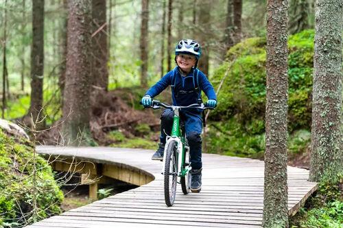 Trysil skal ansette tre barn mellom 6 og 14 år i sommer, som skal lære voksne å leke igjen. Foto: Jonas Sjögren/Trysil.