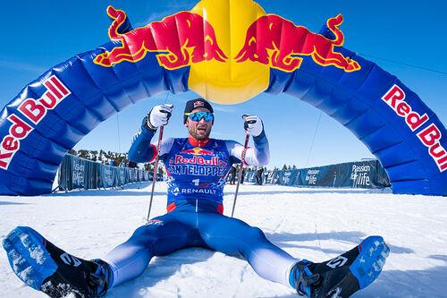 Petter Northug vel i mål på Red Bull Janteloppet 2021. Foto: Daniel Tengs / Red Bull.