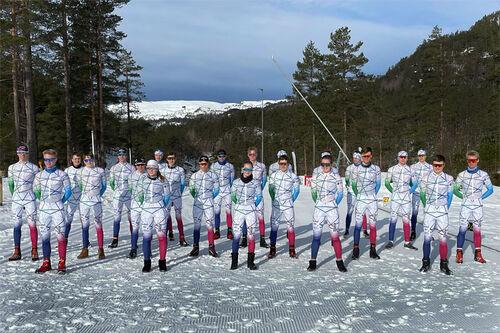 Elever og skiskyttere ved Sirdal videregående skole. Skolefoto.