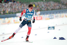 Harald Østberg Amundsen på vei mot VM-bronse på 15 km i Oberstdorf 2021. Foto: Modica/NordicFocus.