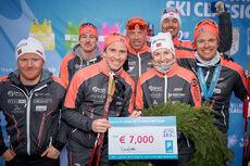 Team Ragde Eiendom etter å ha sikret seg 3. plass sammenlagt i Ski Classics sesongen 2020/2021. Foto: Magnus Östh / Visma Ski Classics / NordicFocus.