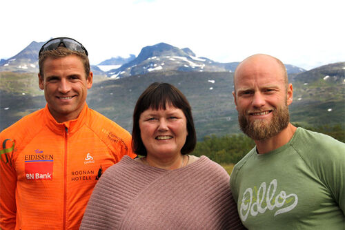 Niklas Dyrhaug, Mona Mosti og Martin Johnsrud Sundby. Foto: Svein Spjelkavik / Kobberløpet.