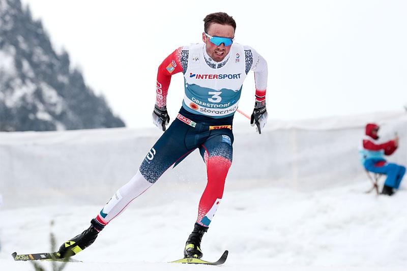 Emil Iversen på vei mot VM-gull på 5-mila under verdensmesterskapet i Oberstdorf 2021. Foto: Modica/NordicFocus.