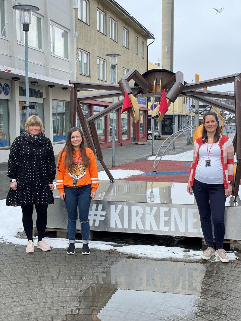 Stine Ihler, Trine Dervo og Kristine Olsen er veiledere på ungdomsteam i Sør-Varanger, som sammen med fire andre kollegaer sørger for gode brukermøter med fokus på respekt, muligheter og tro på at det finnes en jobb eller ett utdanningsløp for alle.