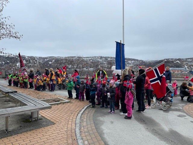 17. mai feiring i Kirkenes og Prestøya barnehage