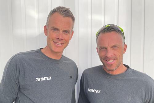 Jørgen og Anders Aukland fra Team Ragde Charge har inngått avtale med ny klesleverandør. Foto: Knut Aukland.