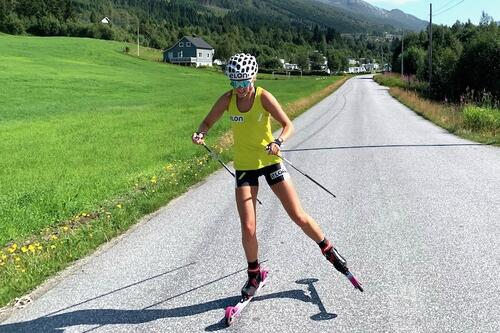 Karoline Simpson-Larsen fikk startnekt like før jul i fjor. Nå er hun klar for Lysebotn Opp på torsdag, hennes første internasjonale konkurranse siden desember. Foto: Privat