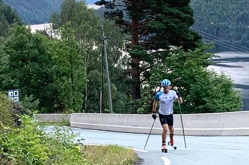 Eirik Andreas Mortensbakke gikk 6206 høydemeter på rulleski på 6.5 time i et forsøk på å bli den første til å fullføre en everesting på rulleski. Foto: Privat
