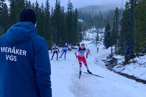 En rekke av verdens beste langrennsløpere har startet sine karrierer på skigymnas. Men hvordan utnytte tida på skigymnas optimalt? Foto: Meråker videregående skole