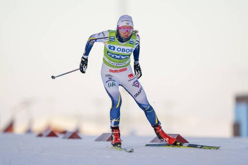 Linn Svahn under verdenscupen i Ulricehamn før hun faller og skader skulderen. Foto: Thibaut/NordicFocus.