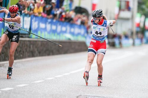 Julie Henriette Arnesen slo Alena Prochazkova og tok bronse i supersprint under rulleski-VM fredag kveld. Foto: Flavio Becchis