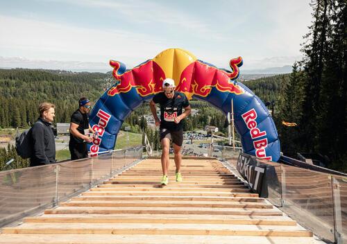 Petter Northug fra Red Bull 400 i granåsen i 2019. Foto: Jørgen Rotan / Red Bull Content Pool