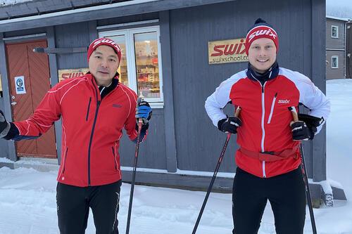 Pat Lam Thorstad (til venstre) og makker Christian Erichsen dobler staben på stav- og rulleskiutvikling hos Swix. Foto: Swix