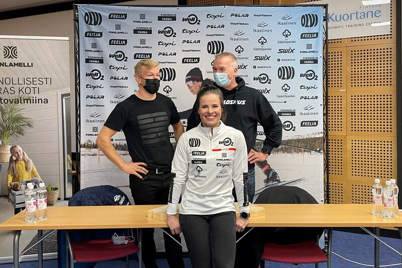 Krista Parmakoski på pressetreff tidligere i uka. Foto: Kestävyysurheil.fi