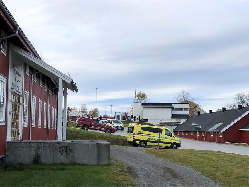 Tidligere i dag ble store deler av Norsk Hestesenter avstengt, og alt personell evakuert.