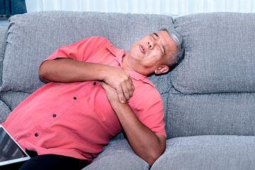 bs-Elderly-Man-heart393707231-360jpg