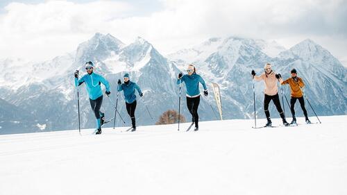 Pölder Sport ser fram i mot vinteren og har fyllt opp med masse utstyr for å ta seg fram i skiløypa til vinteren.