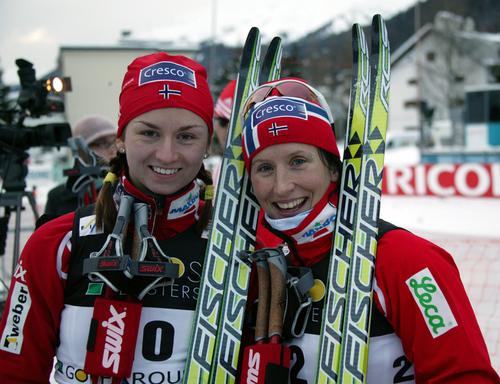 Celine Brun-Lie og Marit Bjørgen på pallen i Davos