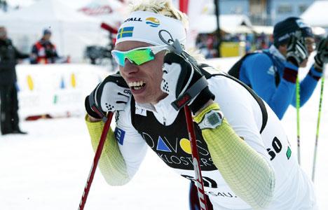 Uflaks igjen for Peter Larsson, som fikk brist i to ribbein under trening i Davos. På bildet puster han ut etter kvalifiseringen, der han ikke gikk videre.