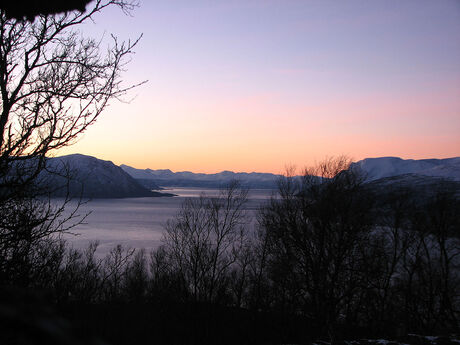 Utsikt s�rover Astafjorden 01