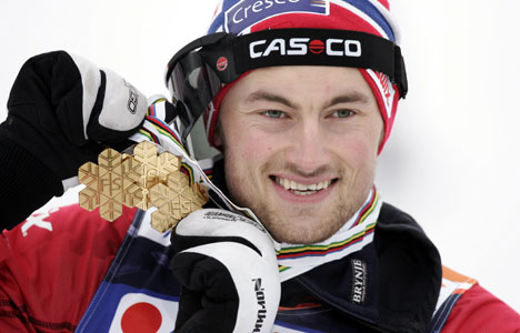 Petter Northug med sine tre VM-gull fra Liberec 2009.